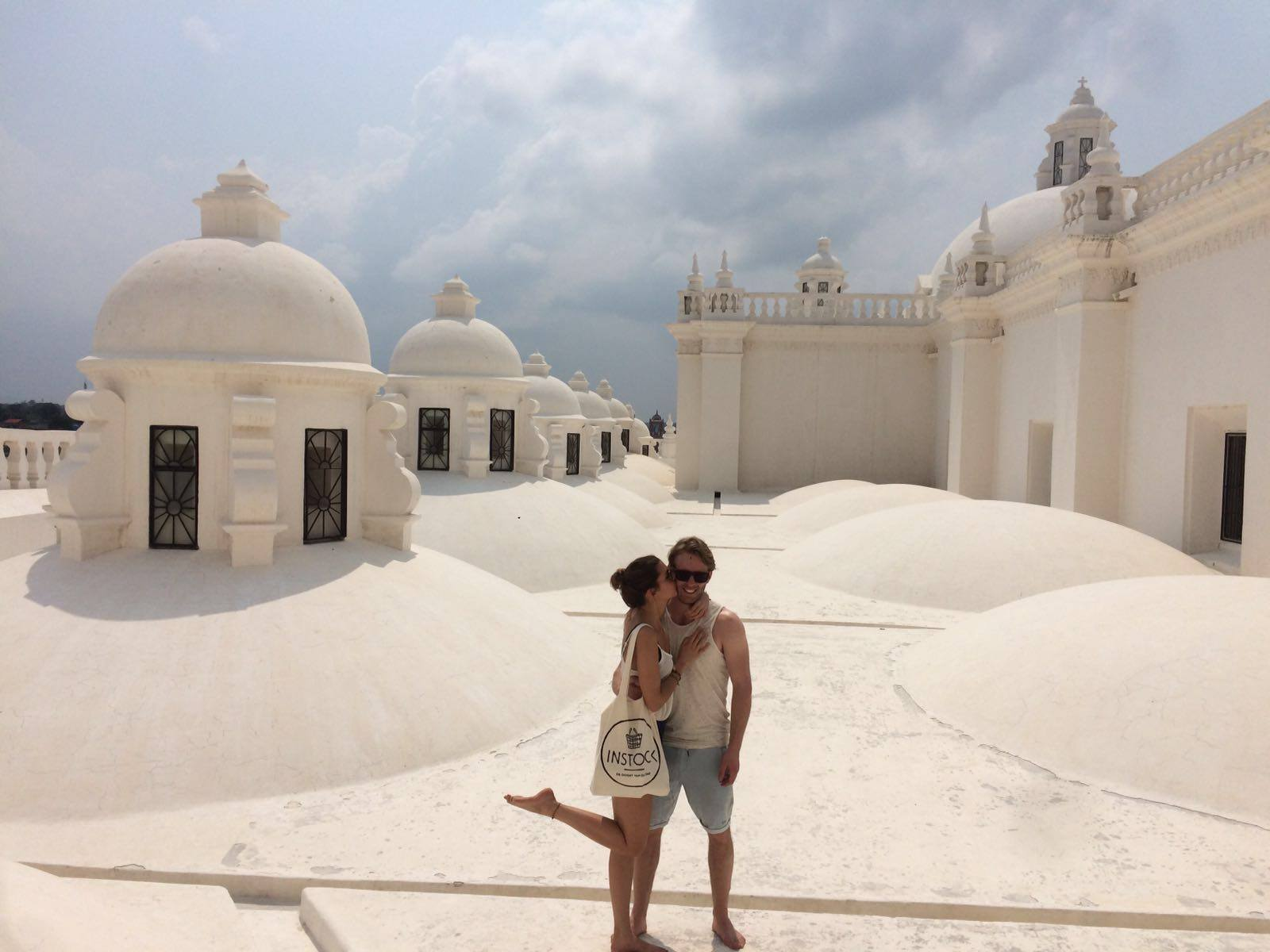 nicaragua-leon-cathedral-white-roof
